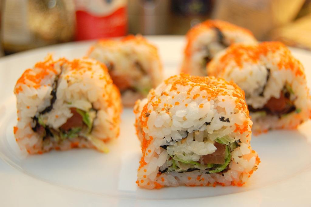 Ura Maki Sushi (by Tricia Lee Sook Ling)