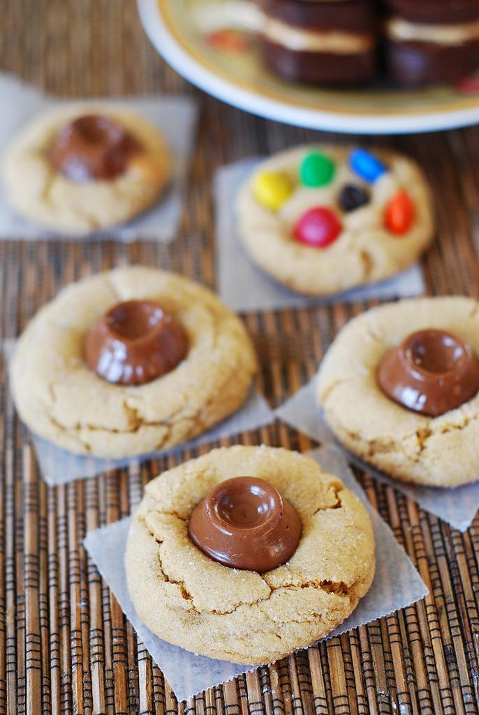 Recipe: Peanut Butter Rolo Cookies