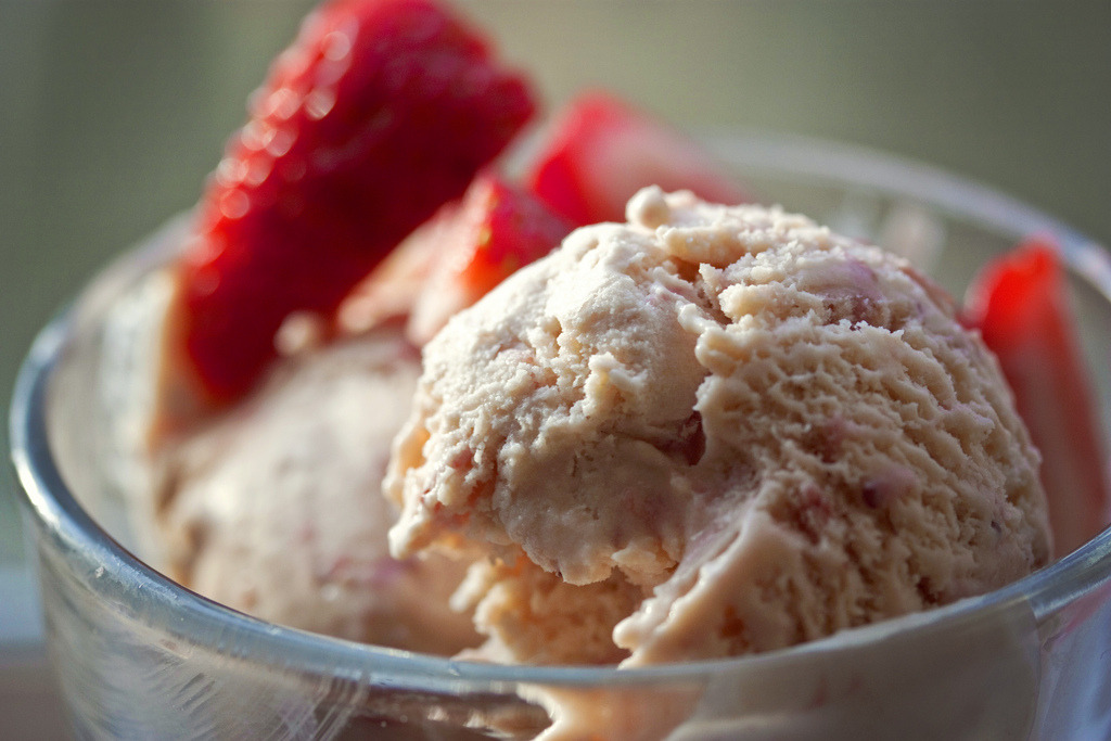 Recipe: Balsamic Strawberry Ice Cream