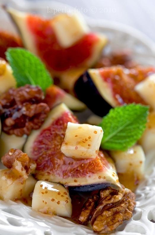 Figs, Cheese & Walnuts via La Perla on Flickr