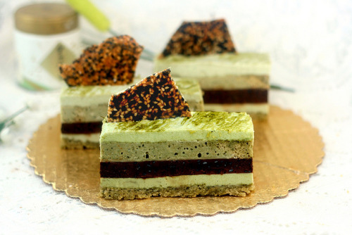 Green Tea Pistachio Cakes by lismi171 on Flickr.