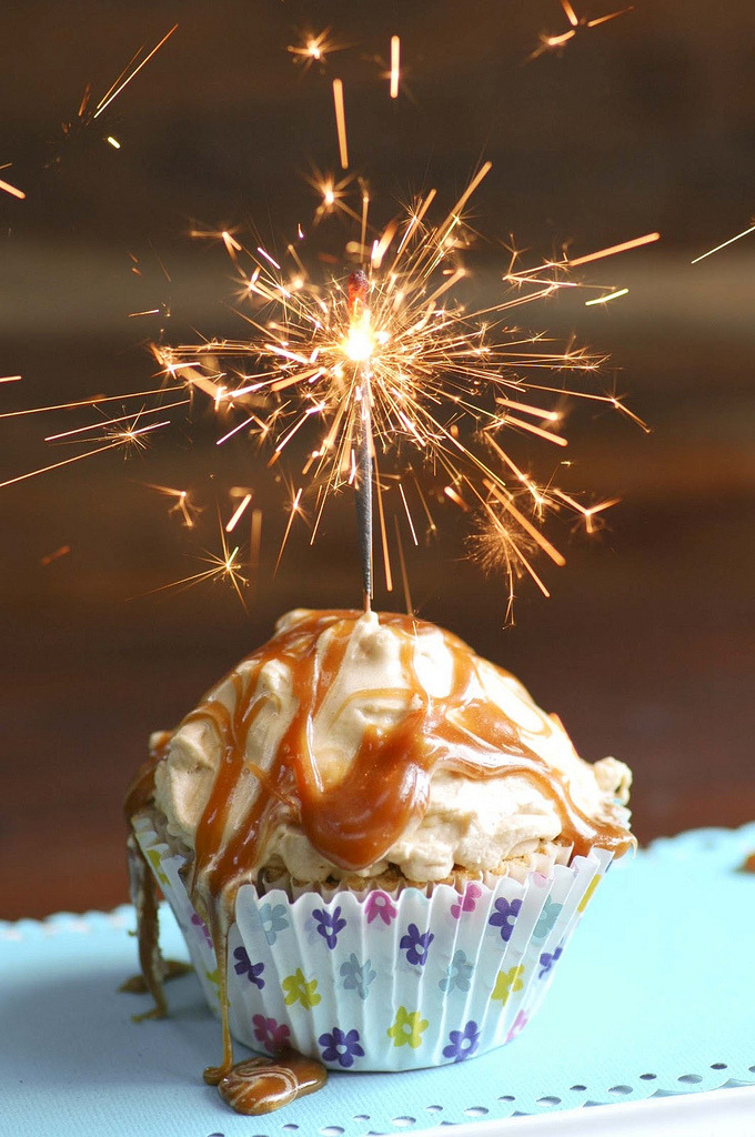 Toffee Cupcakes (by chrystalkanu)