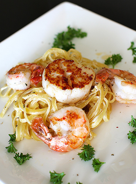 shrimp and scallop linguine alfredo by mila0506 on Flickr.