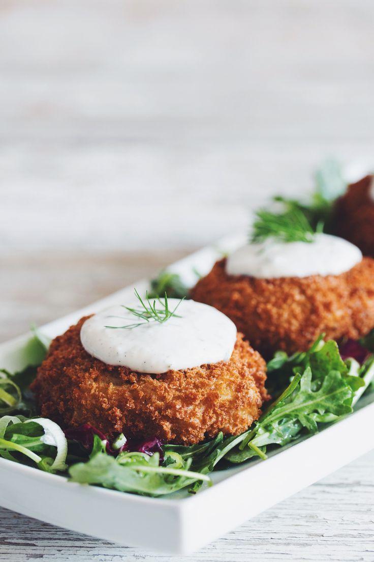 Vegan Crab Cakes with Horseradish Dill Tartar Sauce Hot for Blog